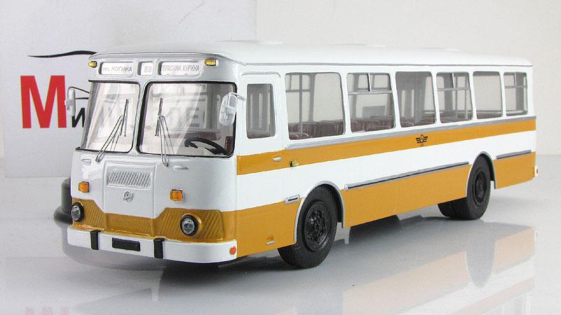 1:43 Автобус городской Ликинский-677М (Vector-models) Масштабная коллекционная модель