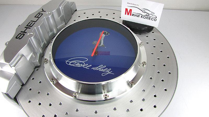 Доставка в пределах 5 км от мкад с  часы тормозной диск - это ориганальный подарок автолюбителю.